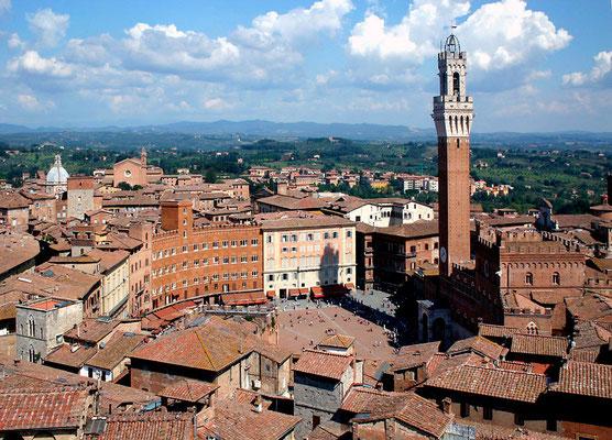 Siena liegt im Zentrum der Toskana