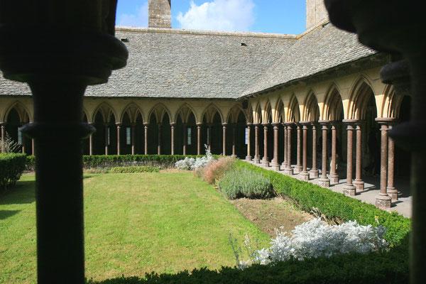Abtei Mont-Saint-Michel. Dieses Benediktinerkloster dominiert die ca. 55.000 m² Gesamtgröße der Anlage