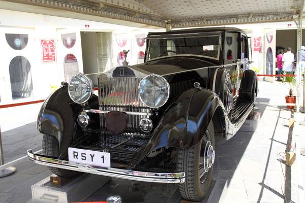 Der Rolls-Royce hat wohl die Elefanten später abgelöst.