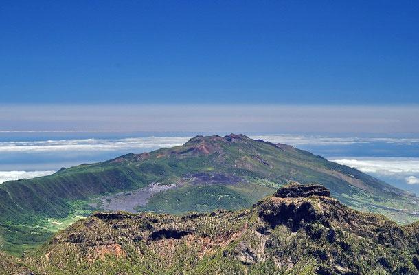 Blick  über den Picco Bejenado und Cumbre Vieja.