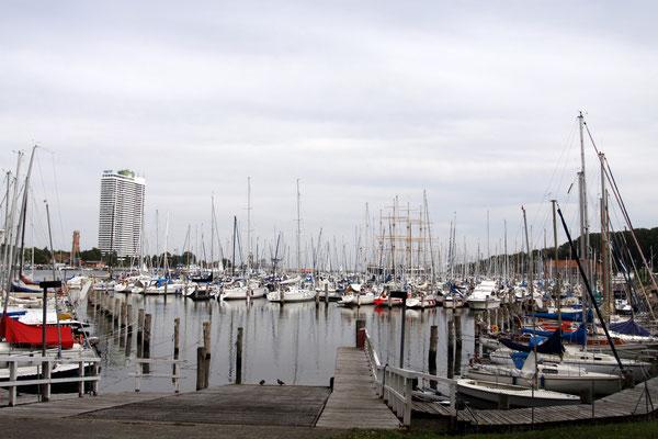 Yachthafen  und Maritim