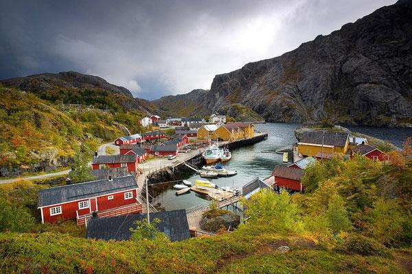 Nusfjord: ein Lofotenhafen wie aus dem Bilderbuch