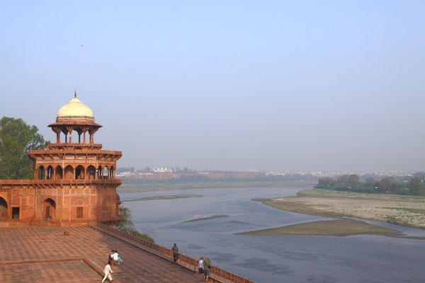 Blick auf das Rote Fort in Agra