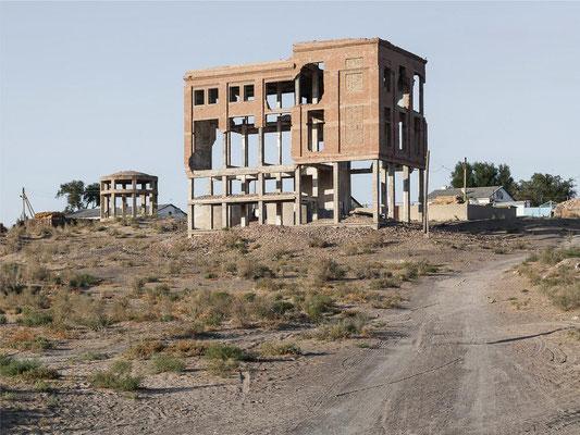 Viel morbidere Ausflugsziele als diese sterbende Stadt an den einstigen Ufern des Aralsees gibt es nicht.