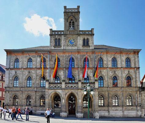Weimar ist ein Ort kultureller Erinnerungen von internationaler Bedeutung. Ein großer Teil der Sehenswürdigkeiten - die Stätten der Klassiker und das Bauhaus stehen unter dem Schutz der UNESCO als Welterbe der Menschheit.