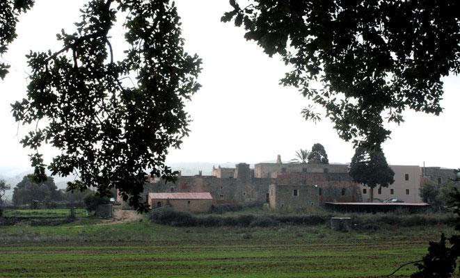 Das Kloster ist recht groß, ist heute noch von Mönchen bewohnt und wird täglich von mehreren hundert Menschen besucht.