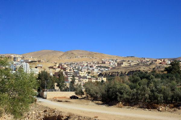 Unser Ziel ist das Dorf Wadi Musa am Eingang zur historischen Stadt Petra - Weltkulturerbe der UNESCO