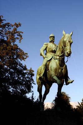 Kaiser Wilhelm II-Denkmal zwischen Bahnhof und City