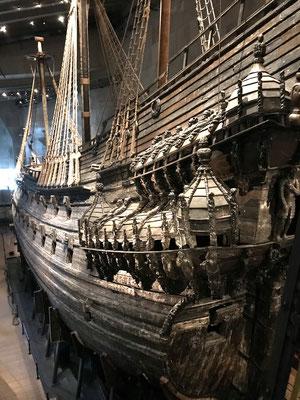 Sie sank im Jahre 1628 auf ihrer Jungfernfahrt nach nur 1000 Metern Fahrt aufgrund von Konstruktionsfehlern, weil der Ballast das Gewicht der Kanonen nicht ausgleichen konnte.