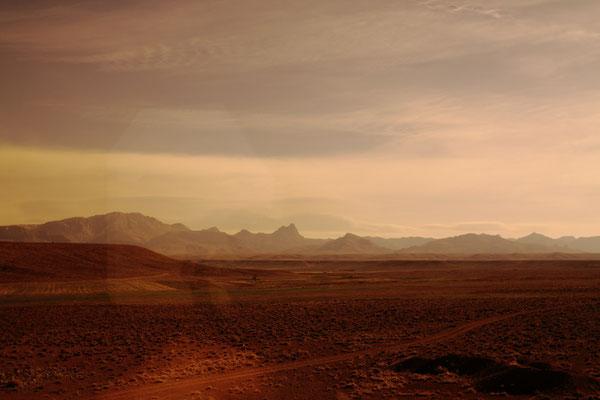 Fahrt durch die Wüste Dasht-e-Kavir