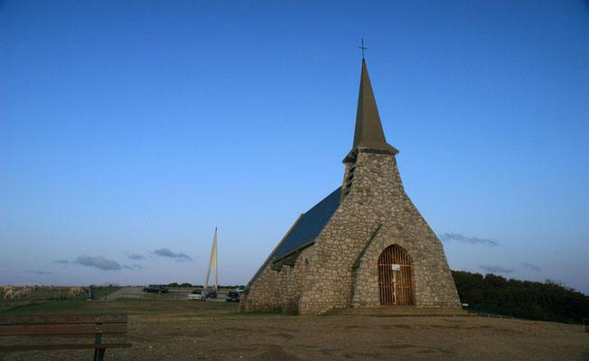 die kleine Seefahrerkapelle auf dem Felsen