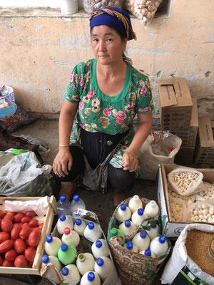 Dazu die frische Milch vom Dorf, köstlich.