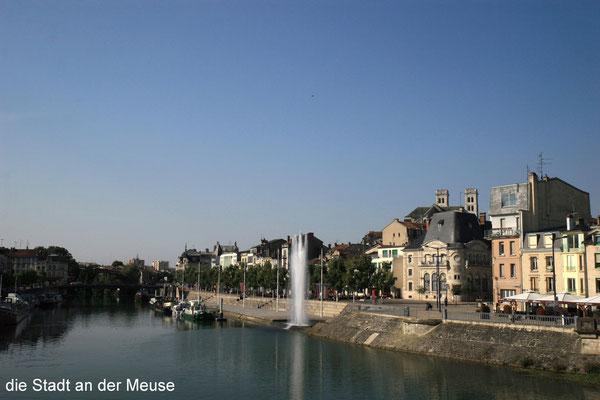 Blick auf Maas und Altstadt