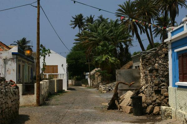 Rue de banana in Cidade Verlha - historischer Transportweg von den Plantagen zur Küste