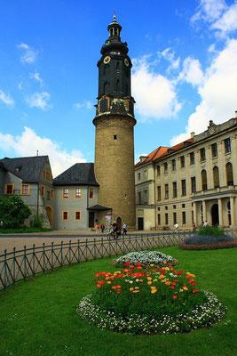 Weimarer Stadtschloss, 5 Jahre nach Fertigstellung dankte die Monarche ab