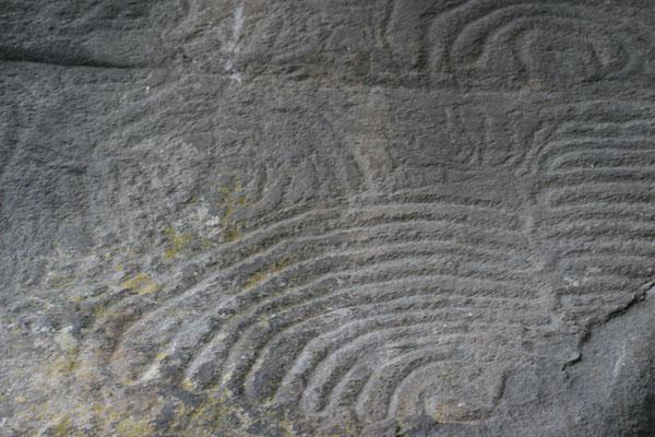 Eine enorme Vielfalt an Steinritzungen und geheimnisvollen Zeichen aus den Zeiten der Guanchen stellen wichtige Zeitzeugen dar