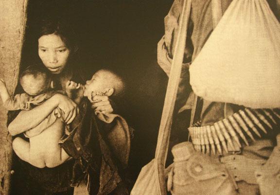auch vor Frauen und Kindern machten die Amis nicht halt, siehe auch das Gemetzel in My Lai