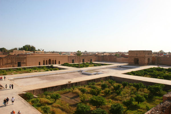 360 Räume aus Onyx und Carraramarmor, verdient mit Sklavenhandel, aus Neid zerstört von Fürsten anderer Dynastien nur 100 J. später