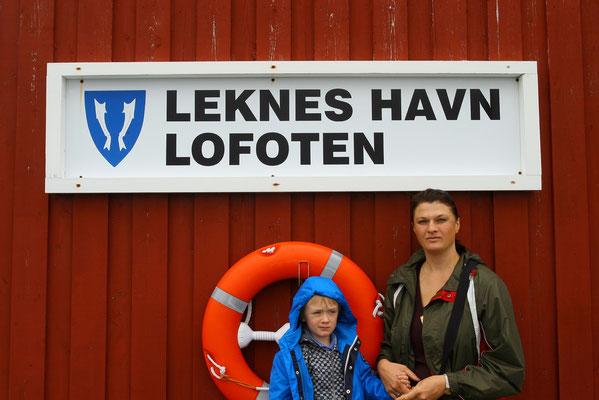 Ankunft in Leknes (2600 Ew), dem Zentrum der Insel