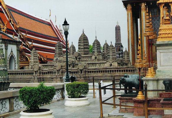 Miniatur des Tempels von Angkor in Kambotscha auf der Oberen Terrasse