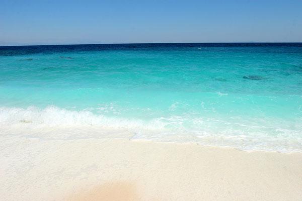 Farbspiel an der Mykriammos beach