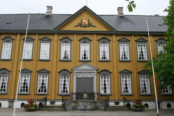 Stiftshof: Rokokoschloss von 1778 mit Stadthof