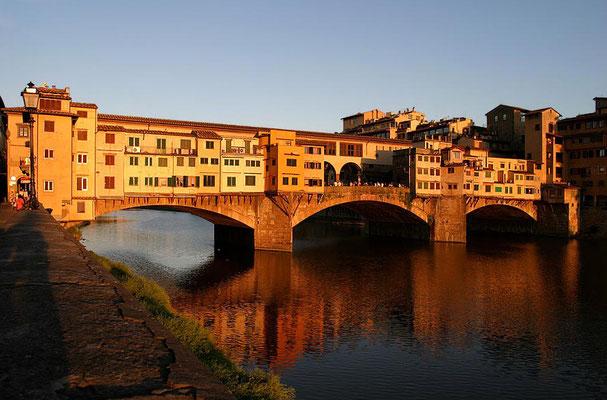 Abendstimmung am Arno an der Ponte Vecchi