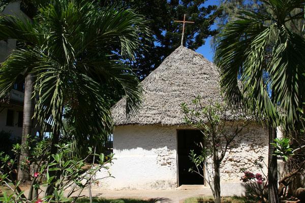 An die Zeit der Portugiesen erinnert die Vasco-da-Gama-Kirche aus der 1. Hälfte des 16. Jhdts.