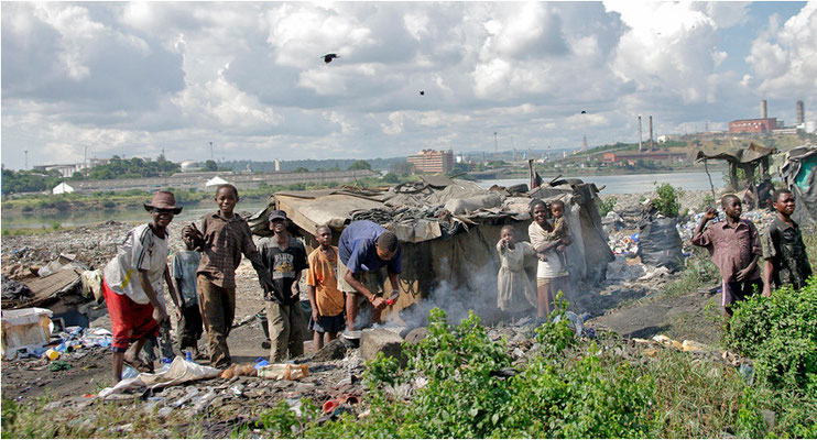 Viele Menschen leben unter unsagbaren Bedingungen auf den Mülldeponien und sortieren Verwertbares