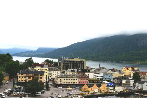 Nach der Passage durch den 50 km langen Romsdalfjord gelangt man nach Andalsnes