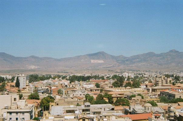 Nikosia (türkischer Teil: Lefkosia) ca. 200.000 Ew- letzte geteilte Hauptstadt Europas
