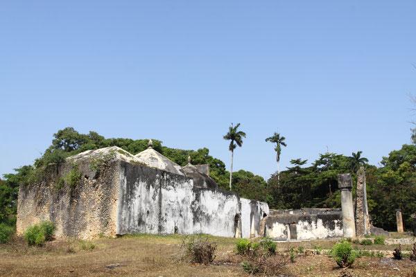 Maruhubi palace-nur 3 km von Stone Town entfernt liegt der Palast des 3. Sultans von Sansibar, den er 1880 extra für seine 99 Konkubinen errichten ließ.