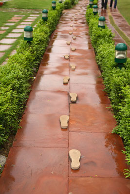 Die letzten Schritte im Garten des Hauses, in dem er lebte