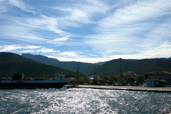 Fährhafen von Skala Prinos