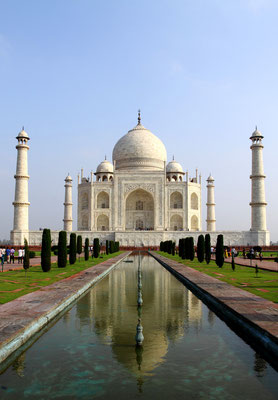 Endlich angekommen am Taj Mahal, das schönste Bauwerk muslimischer Architektur in Indien.