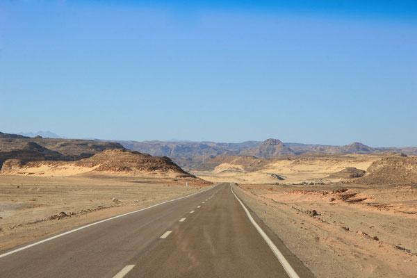 Weiterfahrt nach Kairo Richtung Golf von Suez