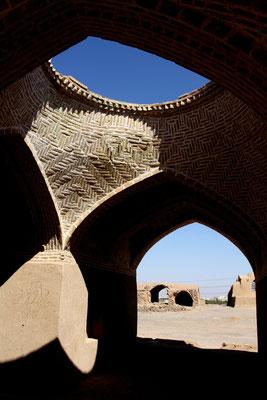 Deshalb sind die Türme nicht mehr in Gebrauch, ebenso wie die Gebäude zu ihren Füßen, in denen die Toten für die Zeremonien hergerichtet wurden.