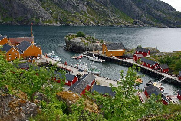 Das Fischerdorf am Vestfjord gehört seit 1975 zum UNESCO-Weltkulturerbe
