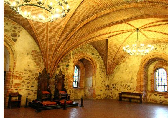 Im Inneren der Burg spielt die Schlacht von Tannenberg eine zentrale Rolle.