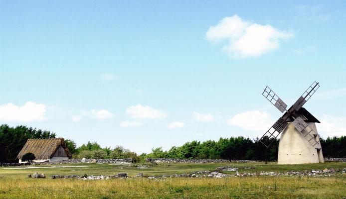 Auf der Reise durch das Land findet man häufig stimmungsvolle Landschaftsbilder und historische Gebäude
