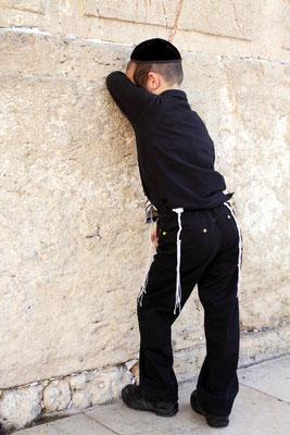 Auch die Kinder selbst im kleinen Alter werden schon auf ultra getrimmt.