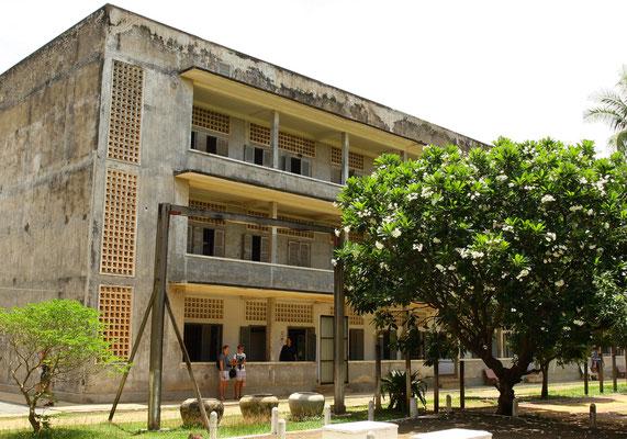 Tuol Sleng Genozid-Museum - wer die Schrecken der Jahre 1975 bis 1979 und die Furcht  vor einer Rückkehr der Roten Khmer verstehen will, sollte die killing fields und diese Gedenkstätte für die Opfer des Pol Pot-Regimes besuchen
