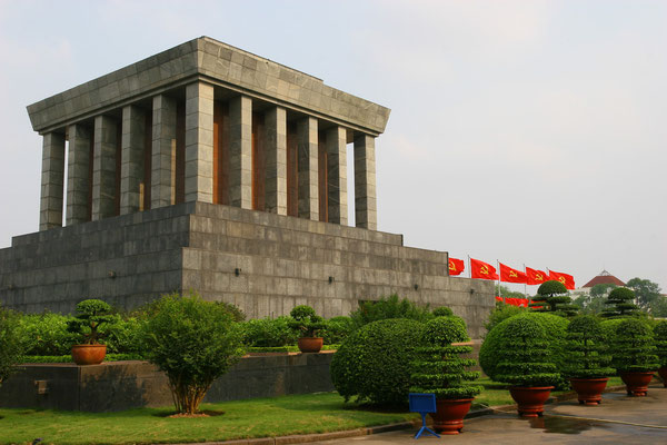 das Totenhaus Ho-Chi-Minh`s, 1975 erbaut für den großen Revolutionär