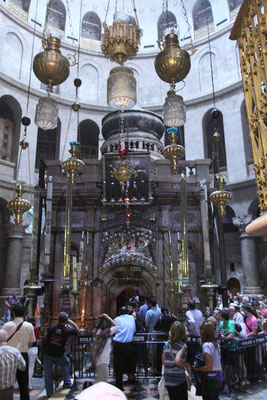 Die Grabkapelle mit Engelskapelle im Innern und dem heiligen Grab.