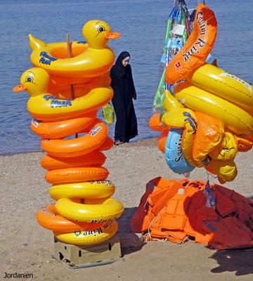 Am Strand von Aquaba ( Jordanien)