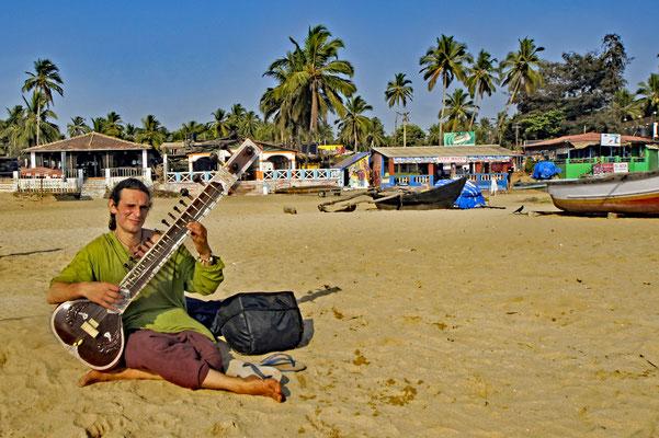 Musiker aus Australien am Strand von Goa