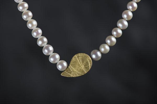 Artikelnummer 7086 - 900/- Gelbgold, 925/- Silber, Perlen