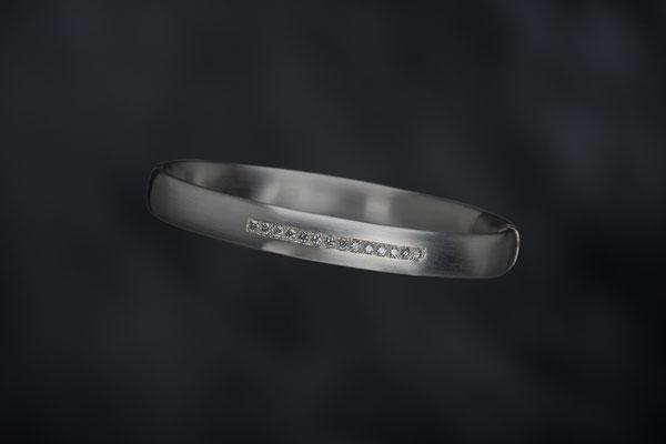 Produktnummer 7062 - 925/- Silber, graue Brillanten