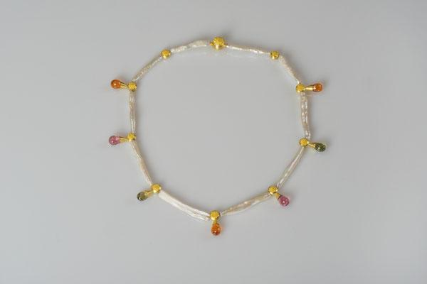 Artikelnummer 7545 - 900/-  u. 750/- Gelbgold, Granulation, Turmaline, Perlen