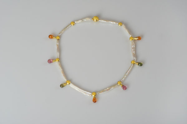Artikelnummer 7545 - 900/-  u. 750/- Gelbgold, Granulation, Turmaline, Perlen, Mandarin Granate